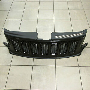 2011-2013-Jeep-Grand-Cherokee-SRT8-ONLY-WK-Black-Front-Grille-Mopar-OEM