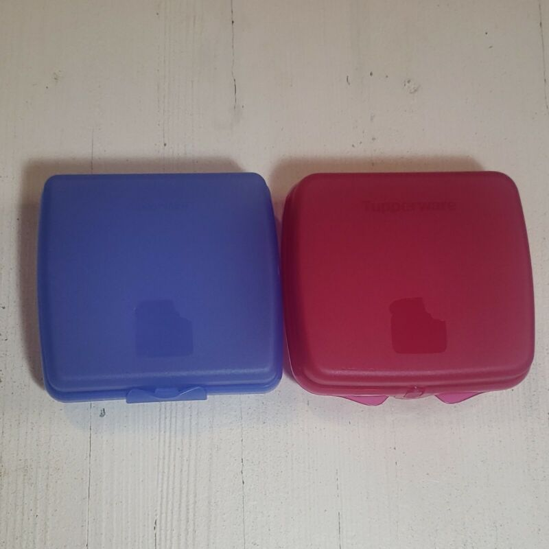 Lot of 2 Tupperware pink and blue Sandwich Keepers - Square Lunch Containers
