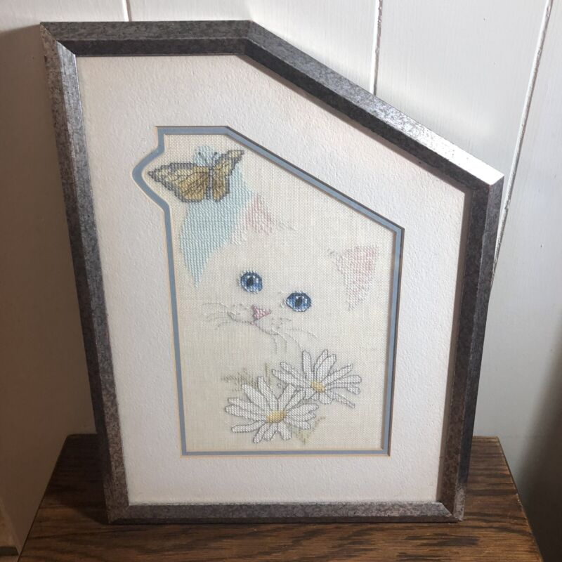 Hand Made Counted Cross Stitch White Cat/Daisy/Butterfly Pro-Frame and Matte