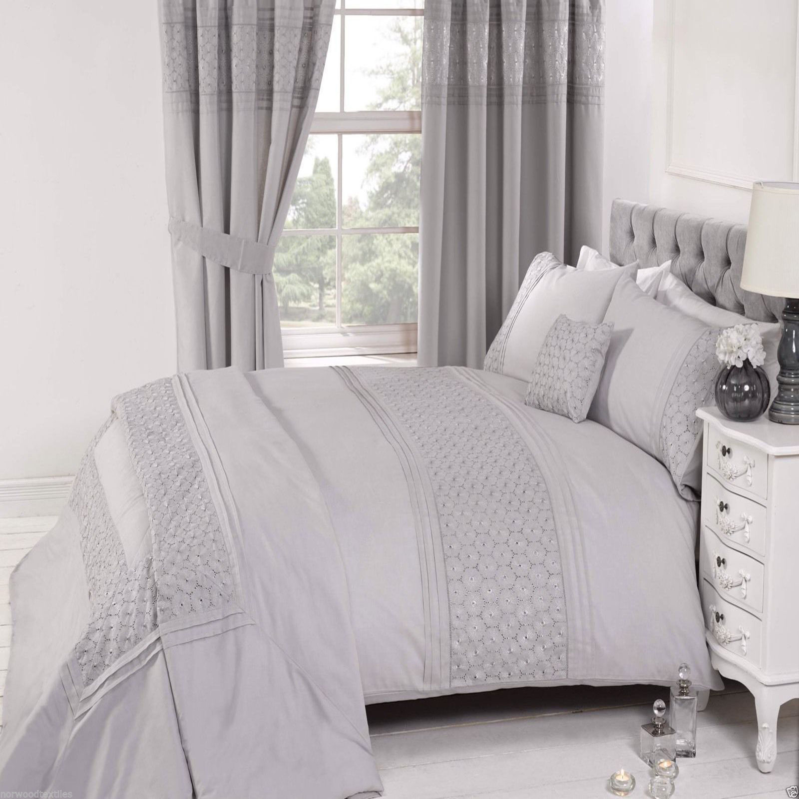 Everdean Embroidered Quilt Cover Luxury Duvet Quilt Cover Set Pink,White,Cream