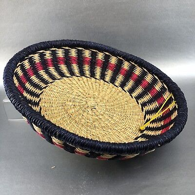 Round Hand Woven Red Black 12