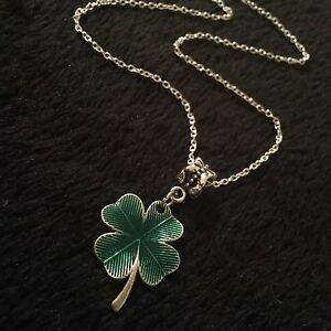 Four Leaf Clover Shamrock Necklace Pendant Gift Flower Lucky Charm Irish Ireland