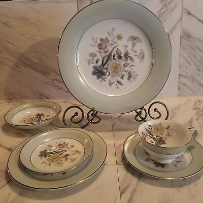 Noritake 6pc, 1 complete place setting.. Vintage