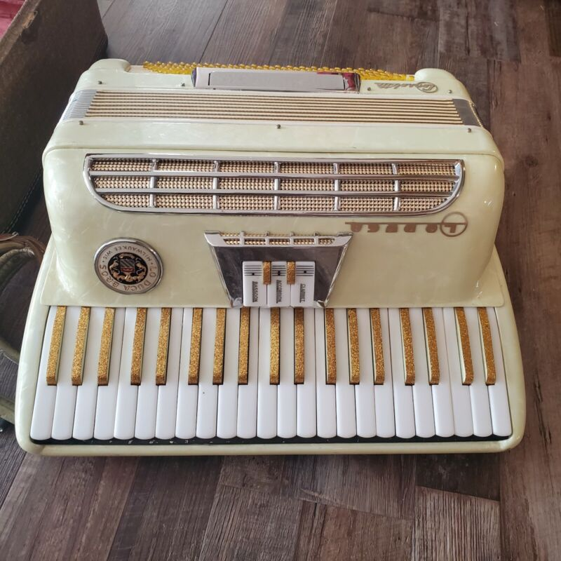 Vintage Lo Duca Bros Milwaukee Wisconsin Leader Accordion Mother of Pearl Italy
