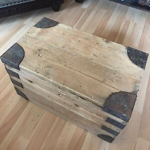 Wooden Chest/Trunk/Coffee Table