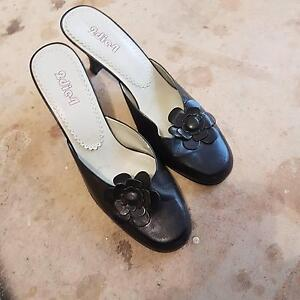 ladies black shoes size 8 Hackham Morphett Vale Area Preview