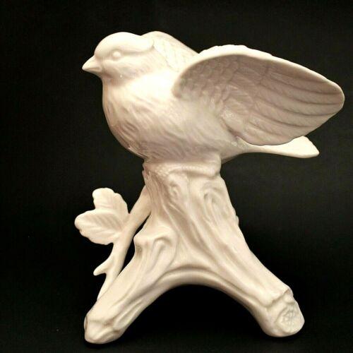 I Godinger & Co White Porcelain Bird Figurine Birds of a Feather Sparrow Branch