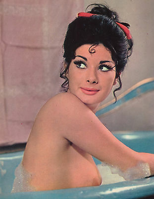 EDWIGE FENECH SUPER EROTIC PHOTO