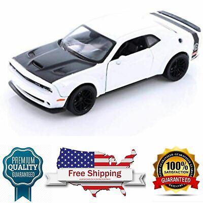 Diecast Model Car 2018 Dodge Challenger SRT Hellcat Widebody White 1/24 Scale
