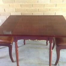 DINING TABLE AND FOUR CHAIRS. Hampton East Bayside Area Preview