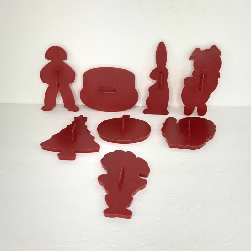 Lot of 8 Vintage Red Tupperware Plastic Holiday And Animal Cookie Cutters
