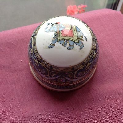 WEDGWOOD PAPERWEIGHT