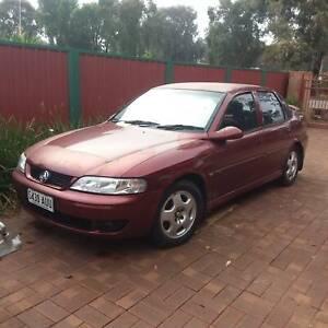 2001 JS V6 Vectra 5 spd Manual Sedan