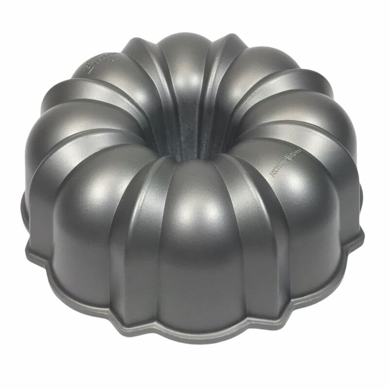 Nordic Ware Pro Cast Original Bundt Pan ~ 12 Cup ~ Made In USA ~ NEW