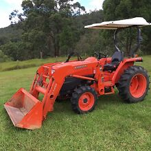 Kubota tractor and front loader Bulahdelah Great Lakes Area Preview