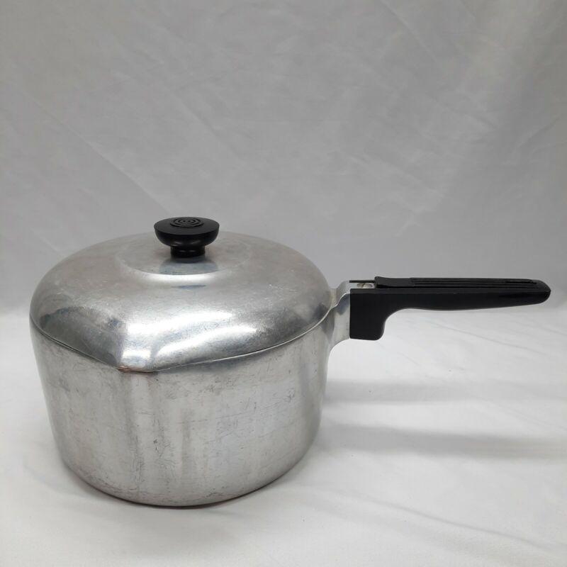 Vintage Wagner Ware Sidney Magnalite 4 Qt Sauce Pan 4684 M w/ Lid Dual Pour Vtg
