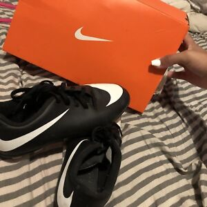 Size 2y soccer cleats