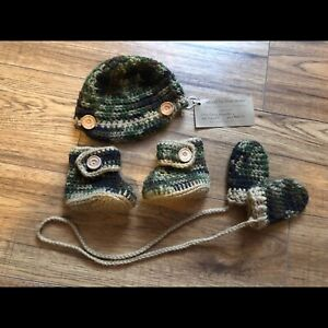 Infant hat, booties and mittens