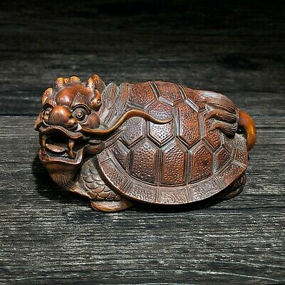 Boxwood Hand Carved Japanese Netsuke Sculpture Lovely Turtle Looks Up