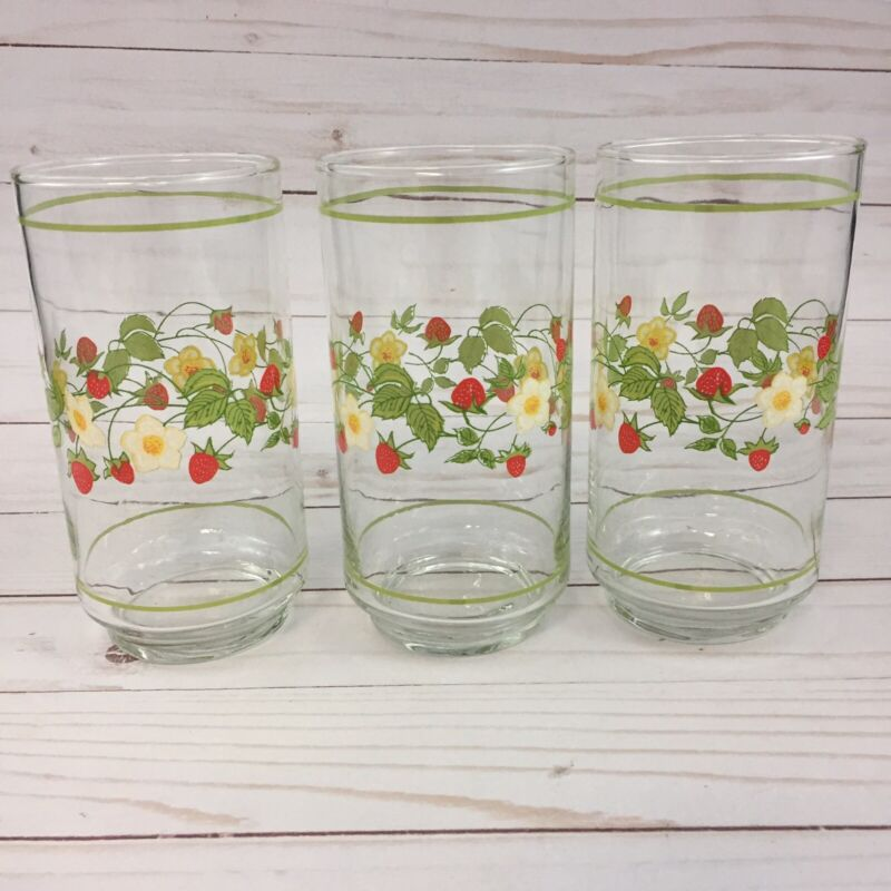 Vintage 80s Strawberry Blossoms Tumblers Drinking Glasses Set Of 3
