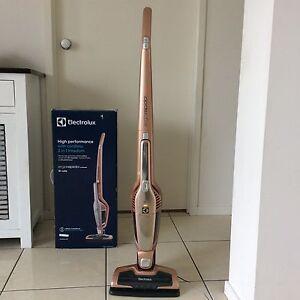 Electrolux Ergorapido   Cordless vacum cleaner stick,2 in 1 ,, 18W Regents Park Logan Area Preview