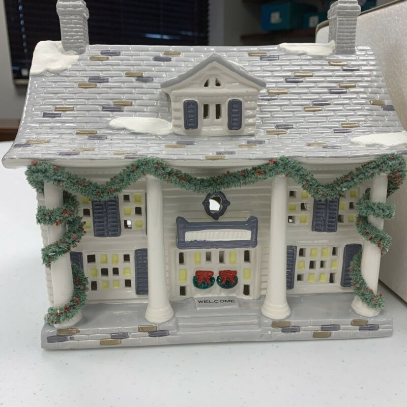Vintage Original Christmas Snow Village Cumberland House 1987 Department 56