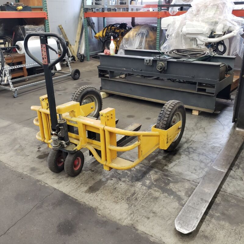 YELLOW ALL TERRAIN PALLET JACK – 2000 LB CAPACITY - USED VERY GOOD CONDITION