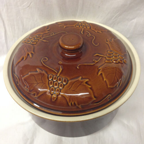 WILLIAMS SONOMA PORTUGAL BROWN GRAPES & LEAVES CASSEROLE DISH 2.5 QUARTS