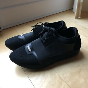 ★★ BALENCIAGA RUNNER ALL BLACK - SIZE 9.5 US  ★★