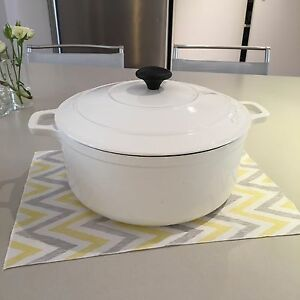CHASSEUR Round French Oven 26cm Kenmore Brisbane North West Preview