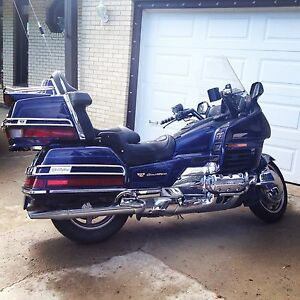 2000 GL1500 SE Honda Goldwing  loaded 25th anniversary edition