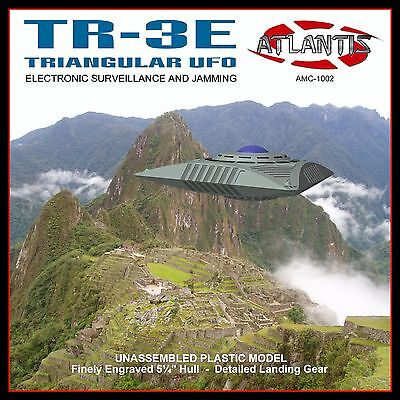 Triangular SpaceCraft TR-3E UFO Model Kit Silver Edition Atlantis Toy and (Toy And Hobby)