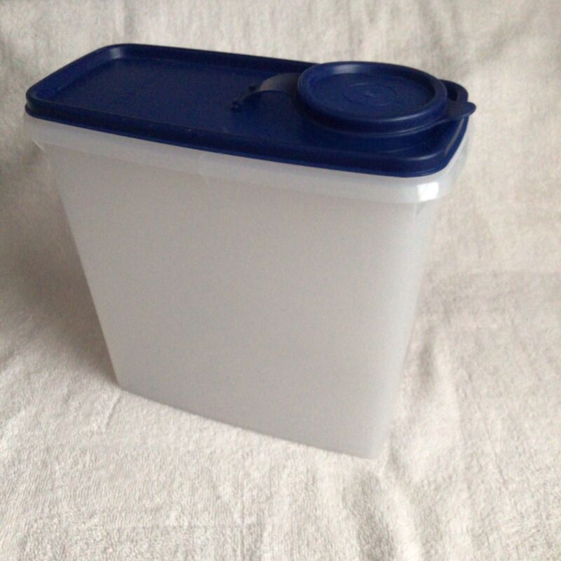 """Vintage Tupperware Cereal Keeper Storage Container w/Blue Lid 8"""" x 7.5"""""""