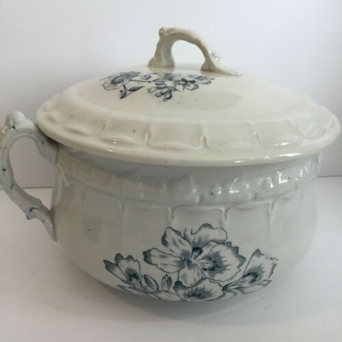 Chamber Pot with Lid Blue White Transferware Ironstone Earthen Stoneware