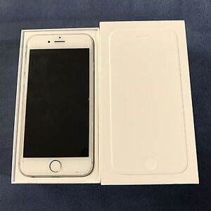 iPhone 6 Silver 128GB locked to Rogers/Chatr + 2 CASES