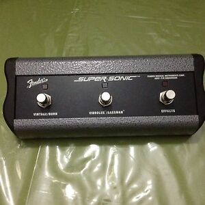 FENDER super sonic ,3-BUTTON CHANNEL GAIN REVERB  FOOTSWITCH