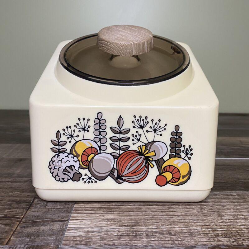 Vintage Rubbermaid Mushroom Onion Plastic 10 Cup Canister Mid Century