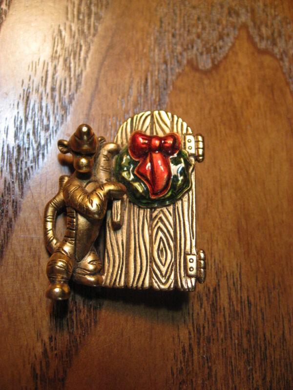 Vintage Disney Tigger w/ Wreath on Door - Winter Holiday - Metal Jewelry Pin