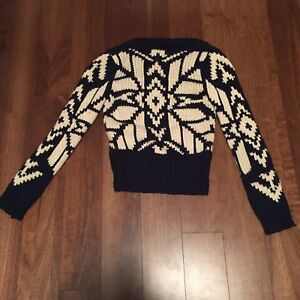 AMERICAN EAGLE thick-knit sweater