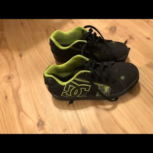 Boys size 5 DC shoes