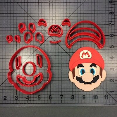 Super Video Game - Red Plumber 266-B520 Cookie Cutter Set