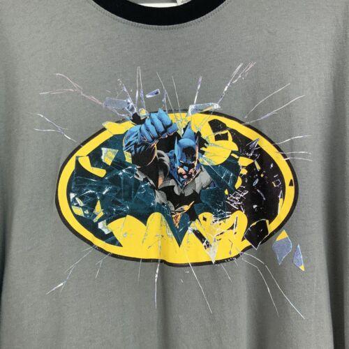 Batman Gray/Black Crew Neck Short Sleeve Shirt Size XL - $13.89