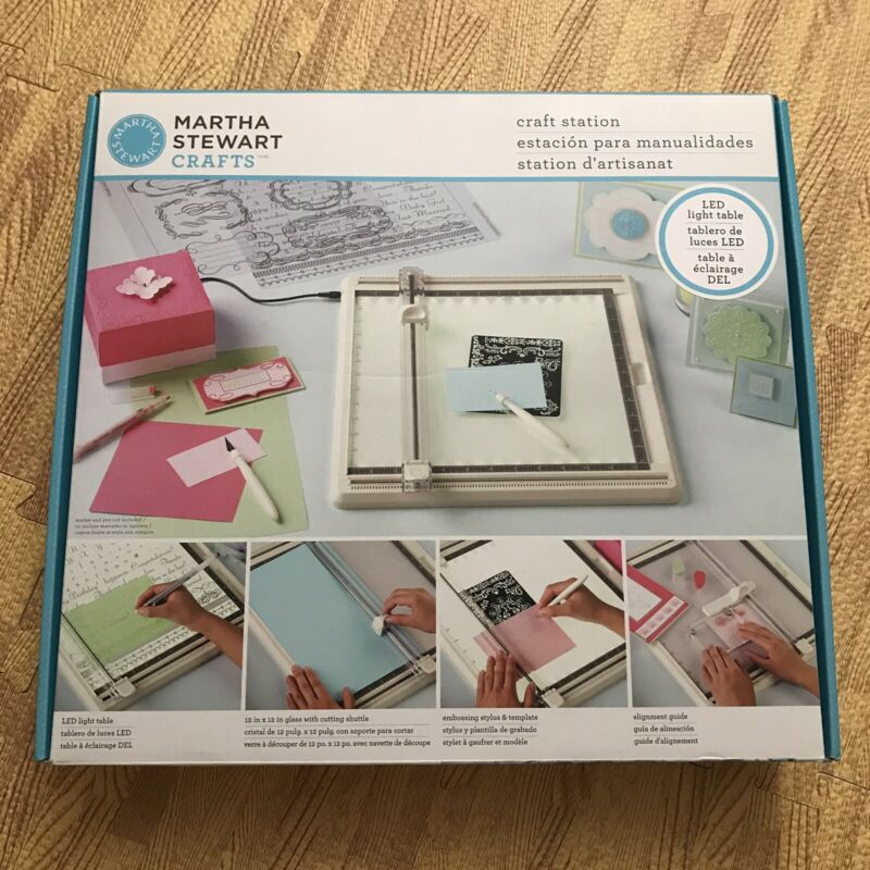[Free Ship] [Slightly Used] Martha Stewart Craft Station