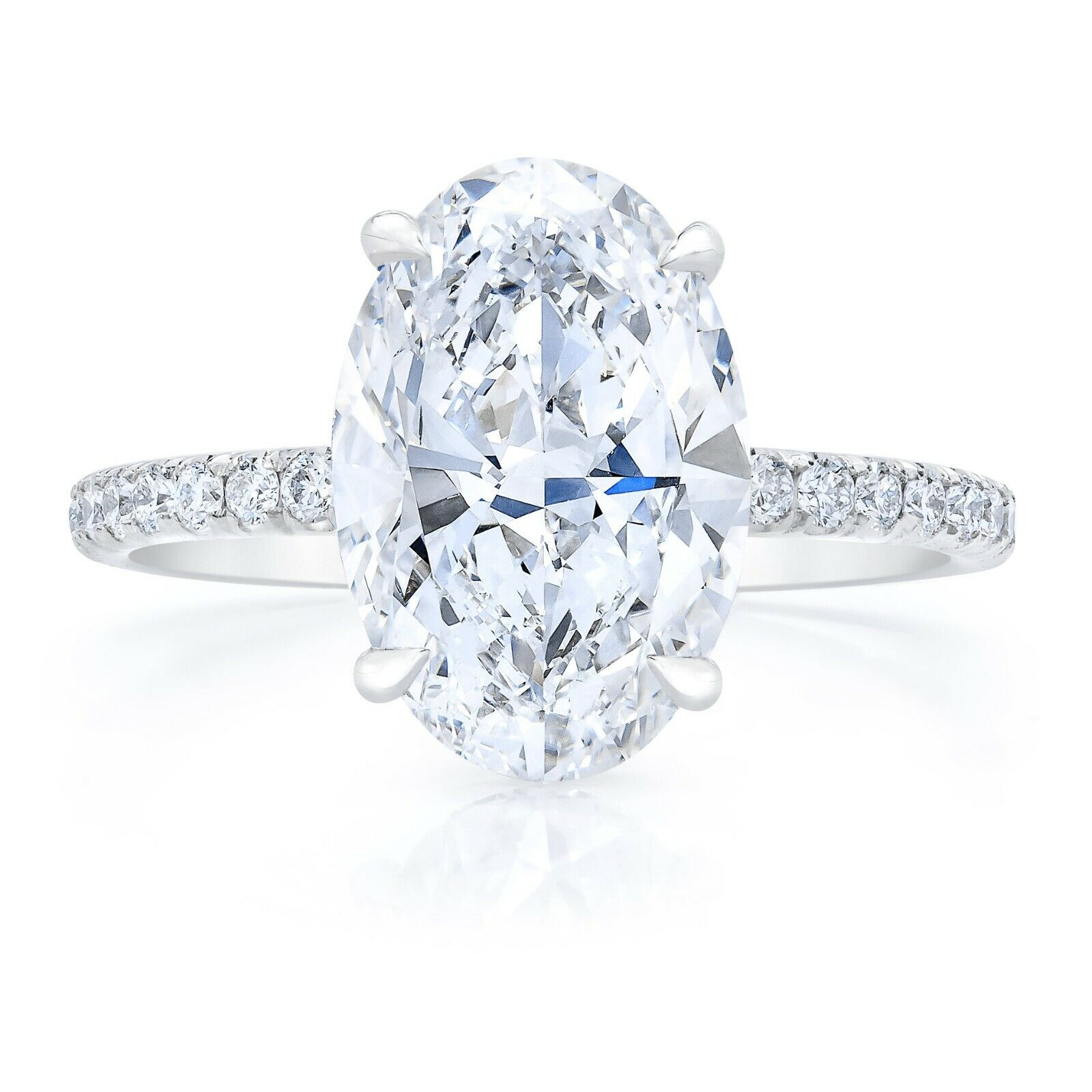 Stunning 2.20 Ct Oval Brilliant Cut Diamond Engagement Ring F, VS2 GIA Platinum