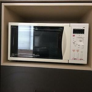 Whirlpool 1000w microwave Subiaco Subiaco Area Preview