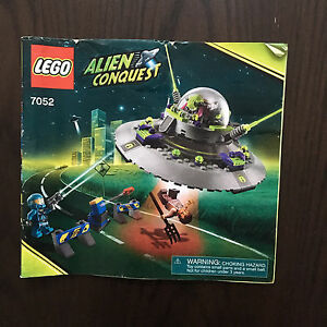 Lego Alien Conquest 7052 complet