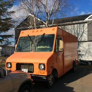 Utilimaster step van (Food Truck)