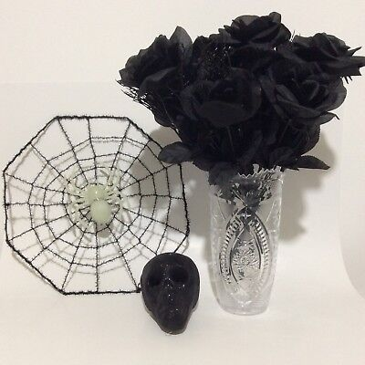 Halloween 4 Pc Lot Black Plastic Roses With Vase Foam Skull Head Wire Spider - Foam Skull Heads