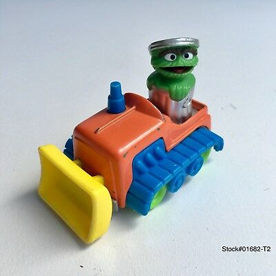 Oscar the Grouch Muppets 1986 VINTAGE Kid Dimension die cast earth mover tractor