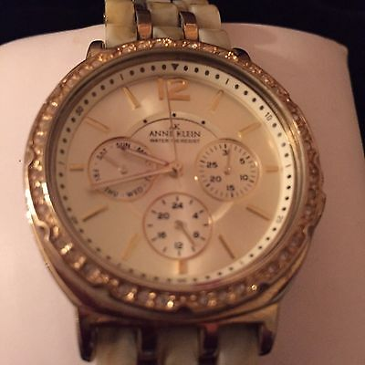 ANNE KLEIN WATCH LADIES WOMEN DRESS  GOLD TONE CHRONOGRAPH WITH CRYSTAL ACCENTS
